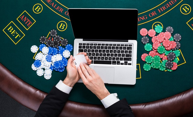 Play Poker software application
