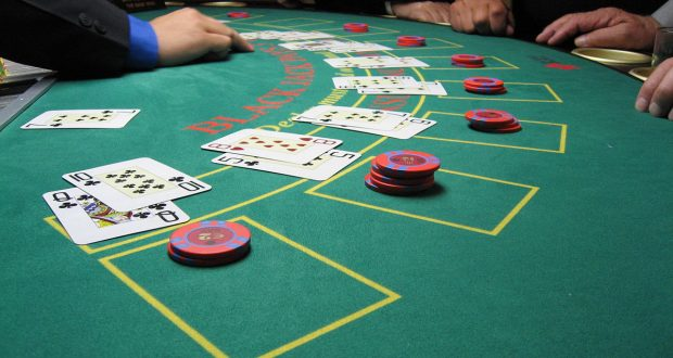 Kinds Of Online Casino Games and also Poker Rooms