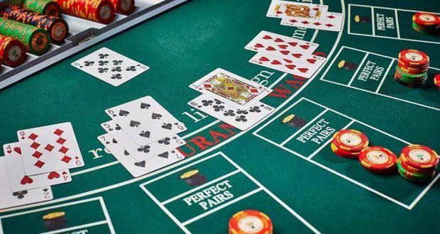 What The Specialists Aren't Saying About Online Casino And How It Impacts You